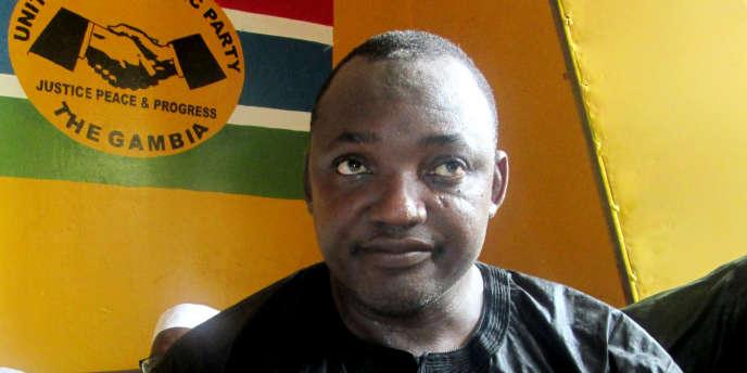 Adam Barrow, du Parti de l'unité démocratique (UDP), candidat unique de l'opposition gambienne pour la présidentielle du 1er décembre 2016.