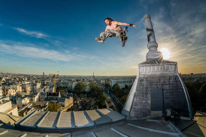 printemps 2015 -Dans les rues, les parcs ou sur les toits, ils sont de plus en plus nombreux à pratiquer le «parkour». Un sport qui ne cesse d'évoluer et de défier les lois de la gravité. Yoann Leroux, alias Zéphyr, ancien champion du monde.