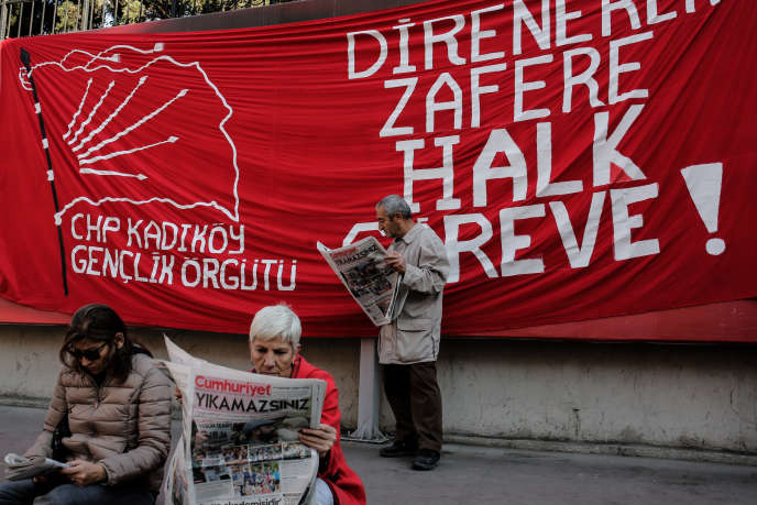 Dans les rues d'Istanbul, le 2 novembre.