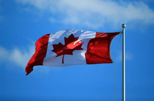 Drapeau canadien à Toronto.