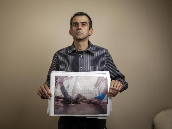 Mauricio Garcia-Pereira, travaille aux abattoirs de Limoges (87) et a choisi de dénoncer, à visage découvert, des maltraitances lors du processus d'abattage. Son portrait à Limoges, le 1 novembre 2016 Photos Claude Pauquet/Agence VU' pour Le Monde.