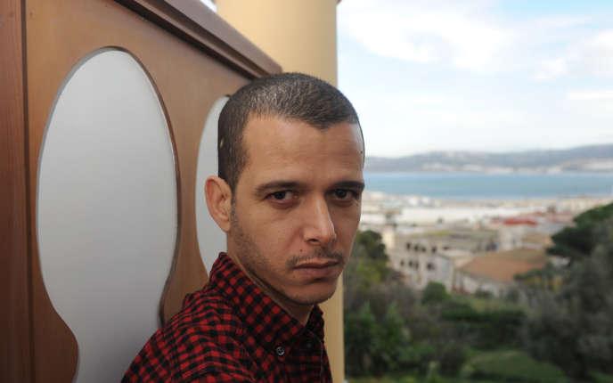 «Au Maroc, le peuple fait peur au pouvoir. Et on fait tout pour étouffer sa colère quand elle ose s'exprimer. On maquille la réalité. On détourne l'attention» (Photo: l'écrivain Abdellah Taïa à Tanger ( Maroc) en 2010).