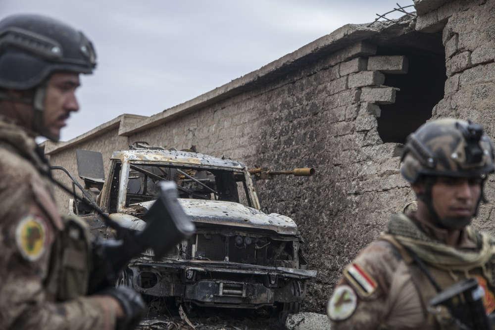 Un véhicule de l'EI équipé d'une mitrailleuse anti-aérienne, récemment détruite.