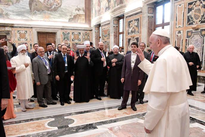 Le pape s'est exprimé devant quelque deux cents représentants internationaux des principales religions, dans le cadre de l'Année de la miséricorde, proclamée dans l'Eglise catholique.