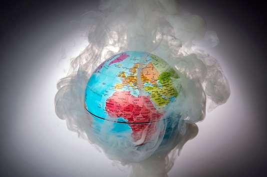 «Alors que 70 % de sa population vit sans électricité, l'Afrique subsaharienne (1,4milliard d'habitants en 2030) continuera, si rien n'est fait, de brûler massivement bois et résidus agricoles, y compris en ville, accélérant sa désertification».