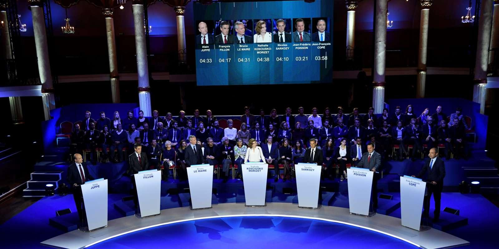 Avant le deuxième débat réunissant les candidats à la primaire de la droite et du centre, le 3 novembre 2016.