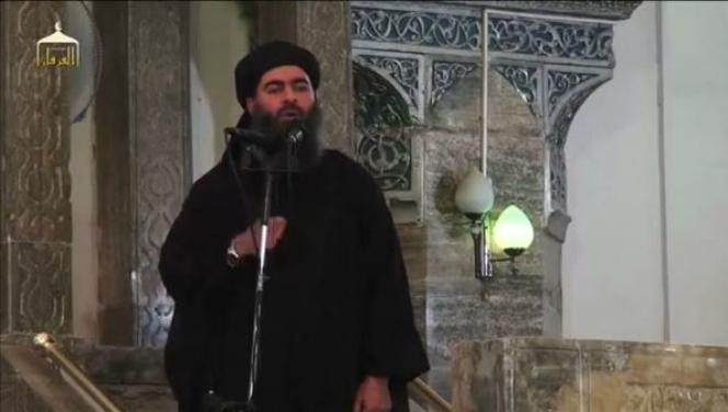 Le chef du groupe Etat islamique (EI), Abou Bakr Al-Baghdadi, lors de sa première apparition diffusée par un médiade l'organisation djihadiste «Al-Furqan» en juillet 2014.