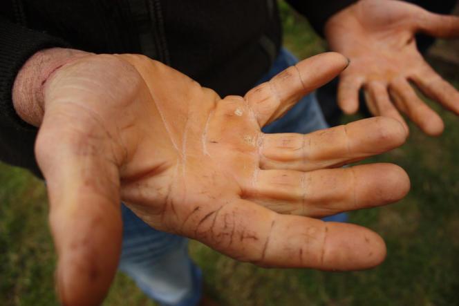 Depuis 2009, L'Atelier paysan a formé six cents agriculteurs aux techniques d'autoconstruction du matériel agricole.