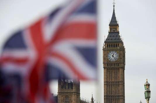 Le drapeau du Royaume Uni devant Big Ben à Londres le 3 novembre 2016.