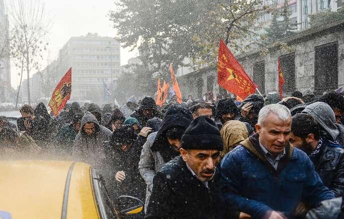 Manifestation contre l'arrestation des députés du HDP, à Istanbul.
