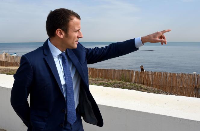 Emmanuel Macron à Tunis le 6 novembre.
