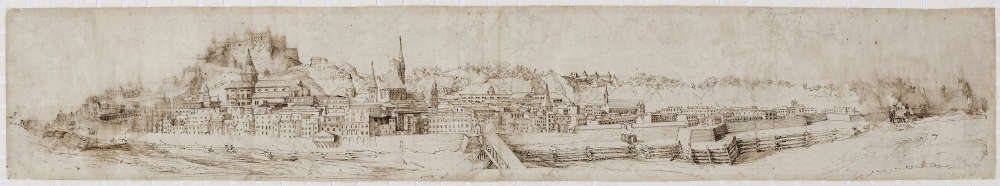 Dans une boucle de la rivière Salzach, voilà le panorama de la vieille ville de Salzbourg, depuis l'abbaye de Nonnberg jusqu'à la colline du Mülnn.A centre, la forteresse de Hohensalzburg coiffe le Mönchsberg. Dessin à la plume lavé de bistre, 162 x 907 mm, de Philipp Harpff, de Salzbourg, vue du Nord.