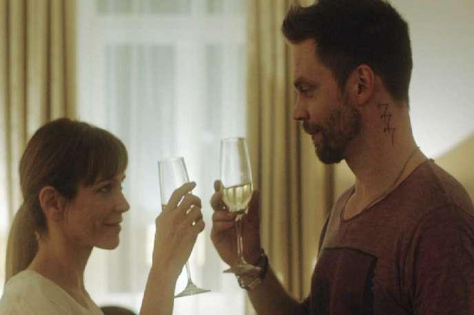 Marie-Josée Croze et Mikko Nousiainen dans le film finlandais de MikkoKuparinen,«2 nuits jusqu'au matin» («2 Nights Till Morning»).