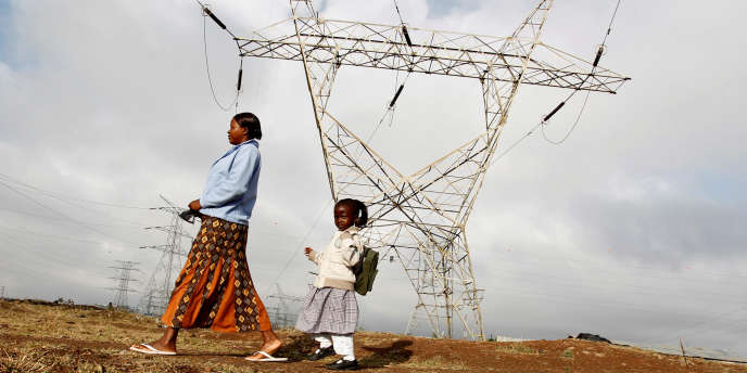 Au Kenya, près de Nairobi, la capitale. Le pays a entrepris de connecter tous ses habitants au réseau électrique d'ici à 2020.
