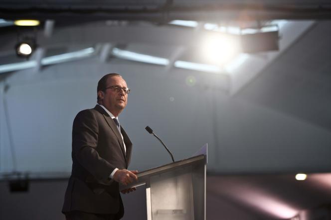 Discours de François Hollande aux Assises de l'économie de la mer, à La Rochelle, le 8 novembre.