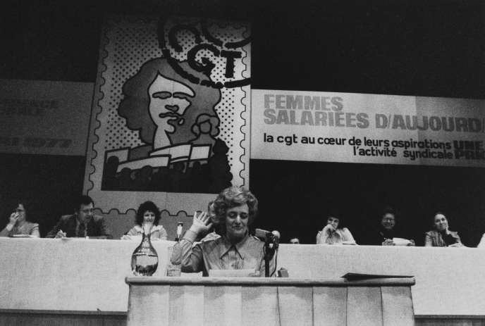 Christiane Gilles, en charge de la question du travail des femmes, à un congrès de la CGT en 1977.