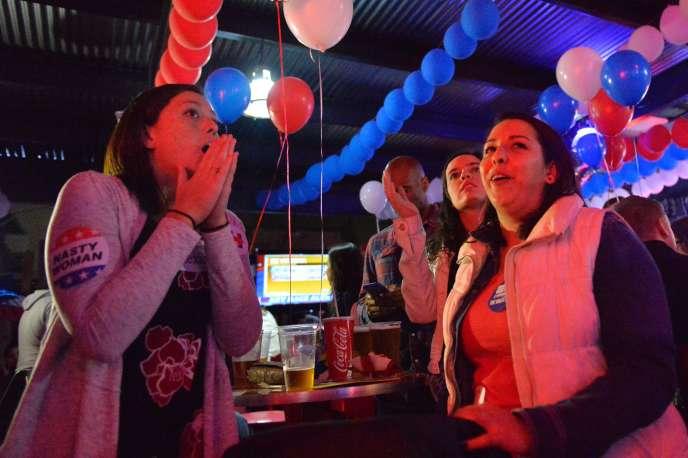 Soirée électorale dans un bar de Mexico.
