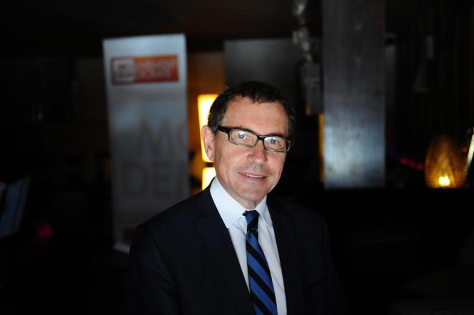 L'eurodéputé Robert Rochefort avait été interpellé à la fin du mois d'août après s'être masturbé dans un magasin de bricolage dans les Yvelines.