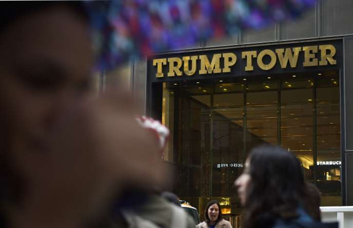Aux abords de la tour Trump à New York, le 9 novembre.