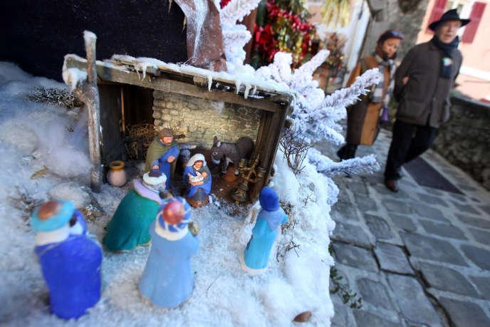 Une crèche de Noël dans la commune de Luceram (Alpes-Maritimes), le 20 décembre 2010.