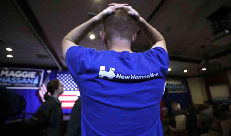 Un étudiant démocrate, lors de l'annonce des résultats du New Hampshire.