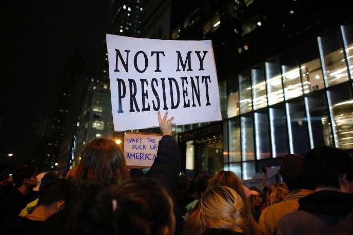 Manifestation contre Donald Trump, président élu, à New York, le 9 novembre.