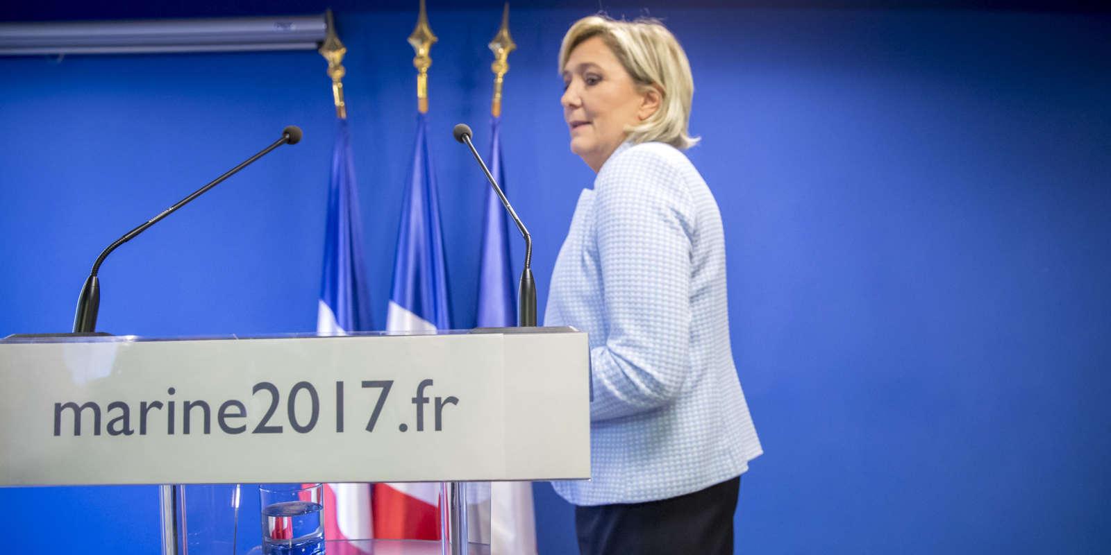 Marine Le Pen, réagi à la suite de l'élection de Donald Trump à la présidentielle américaine, au siège du Front national à Nanterre, mercredi 9 novembre 2016 - 2016