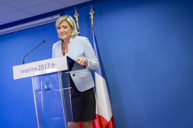 Marine Le Pen, réagi à la suite de l'élection de Donald Trump à la présidentielle américaine, au siège du Front national à Nanterre, mercredi 9 novembre 2016.