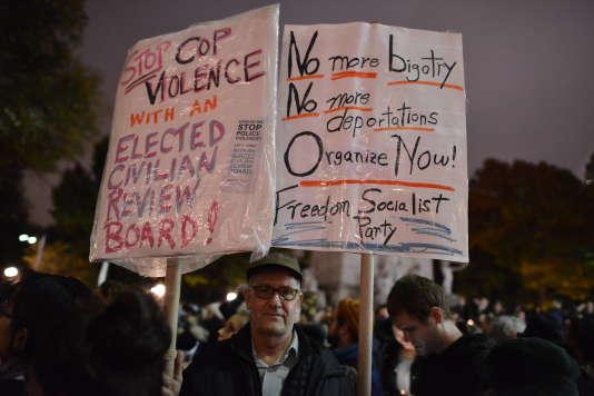 Lors du rassemblement à Manhattan, New York, le 9 novembre.