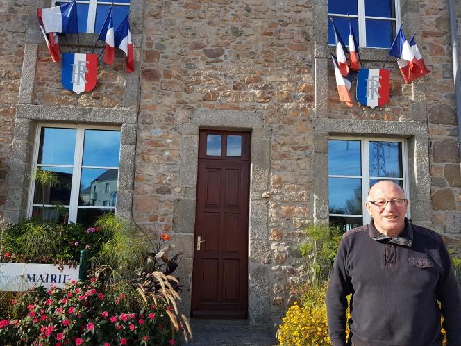 Patrick Fauchon, ancien cadre d'Areva, est maire de Flamanville (Manche) depuis 1983.