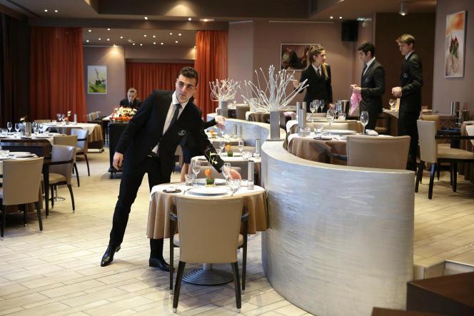 800 étudiants mettent en pratique leur apprentissage dans l'hôtel et le restaurant Vatel.
