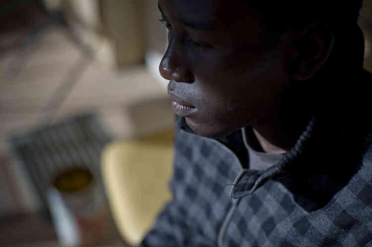 Douze des seize mineurs sont soudanais. Ils n'ont que leur téléphone et quelques vêtements avec eux.