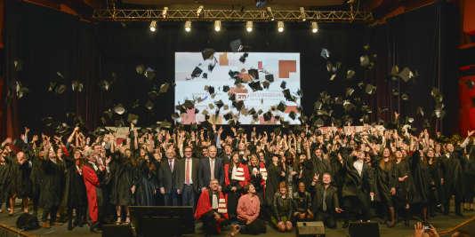 Cérémonie de remise des diplômes à l'EM Strasbourg.