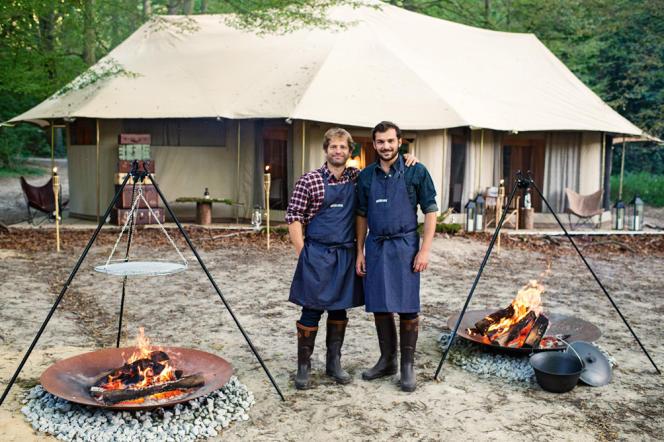 Les chefs Julien Dumas, du Lucas Carton, et Thibault Sombardier, du restaurant Antoine, ont travaillé des mois pour imaginer les accords les plus savoureux.
