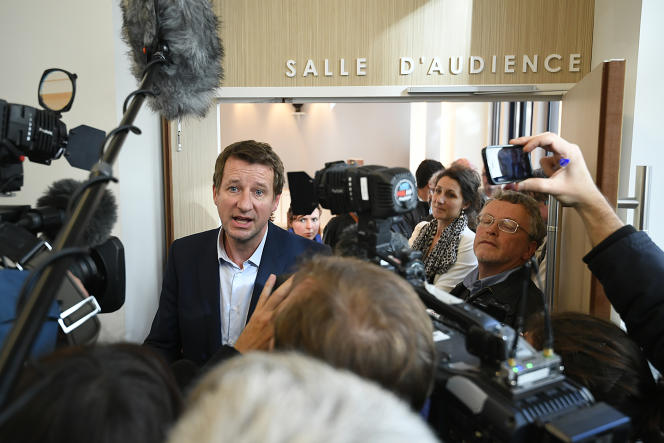 Yannick Jadot , le candidat du parti écologiste EELV à la présidentielle de 2017, après la décision de la cour administrative d'appel de Nantes, le 14 novembre.