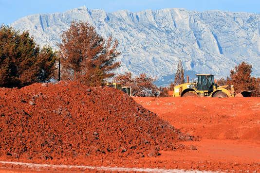 La mise en décharge de Mangegarri à Gardanne, où les déchets de «boue rouge» générés par le procédé de production sont stockés par l'usine d'aluminium Alteo,le 21septembre.