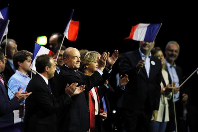 Alain Juppé (LR), candidat à la primaire de la droite, lors de son meeting de campagne au Zénith de Paris, le 14 novembre.