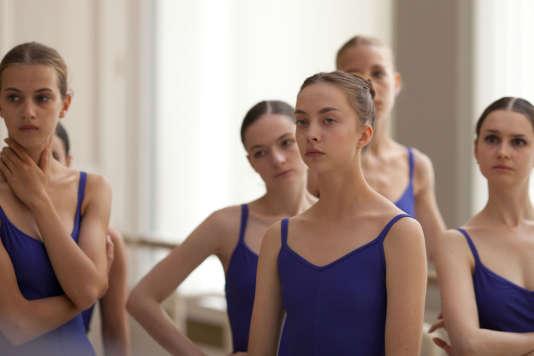 Anastasia Shevtsova dans le film français d'Angelin Preljocaj etValérie Müller,«Polina, danser sa vie».
