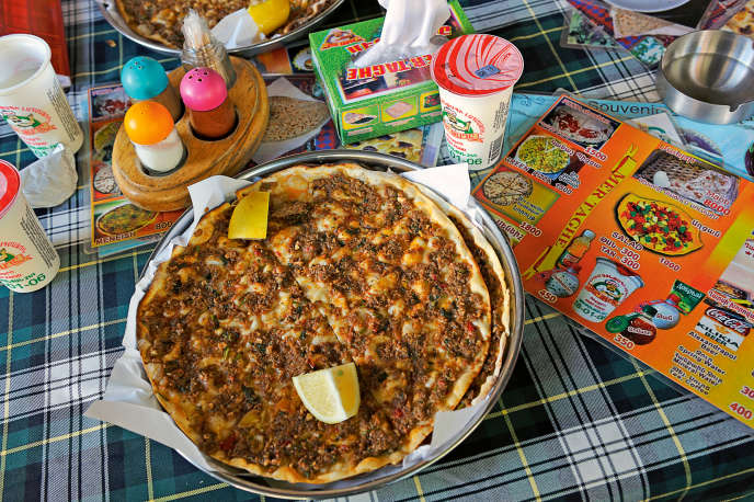 Une lahmajin, la«pizza» arménienne du restaurant Mer Taghe.