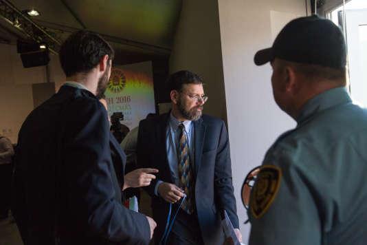 COP 22 - Jonathan Pershing, envoyé spécial chargé des questions sur le changement climatique de la délégation américaine, donne une conférence de presse à Marrakech pendant la COP 22.