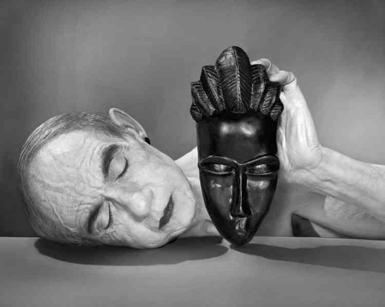 Hommage à Man Ray, Noire et Blanche, 1926-2014.