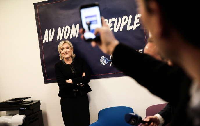 Inauguration du quartier général de campagne de Marine Le Pen pour la présidentielle de 2017, à Paris, le 16 novembre 2016.
