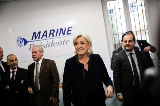Inauguration du QG de campagne de Marine Le Pen pour la présidentielle de 2017, à Paris, le 16 novembre.