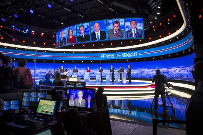 Les candidats à la primaire de la droite, lors du premier débat de la primaire de la droite et du centre, le 13 octobre.