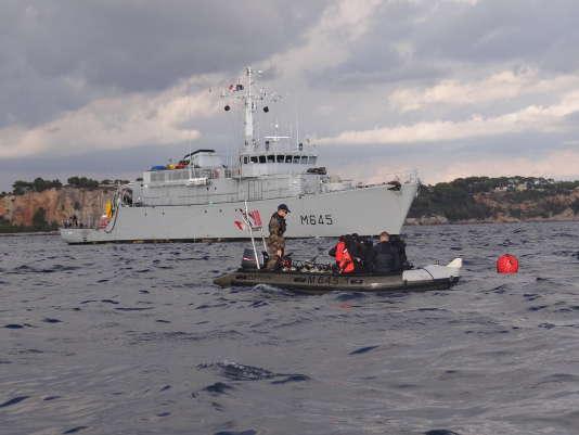 Le chasseur de mines « Orion » de la marine nationale en exercice aux environs de Toulon. Agathe Charnet