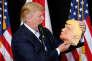 «Il est juste un bonimenteur ou un baratineur. Il pratique ce que le philosophe Harry Frankfurt appelle le bullshit, l'art de dire des conneries» (Photo: Donald Trump avec son masque lors d'un meeting de campagne à Saratosa, en Floride, le 7 novembre).