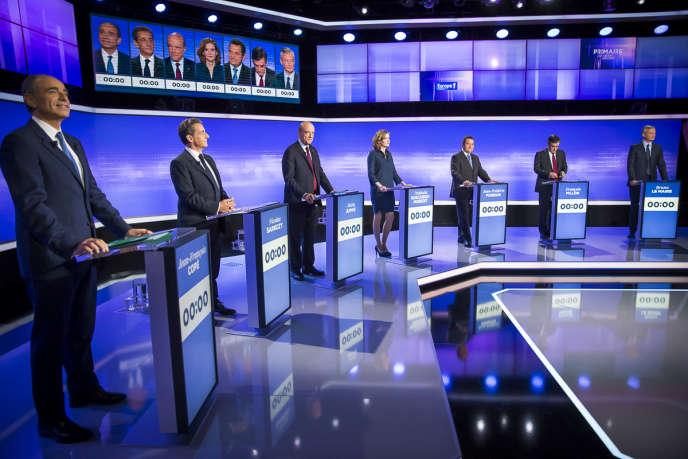 Jean-François Copé, Nicolas Sarkozy, Alain Juppé, Nathalie Kosciusko-Morizet, Jean-Frédéric Poisson, François Fillon, Bruno Le Maire lors du troisième débat télévisé entre les candidats à la primaire de la droite et du centre, jeudi 17 novembre 2016.