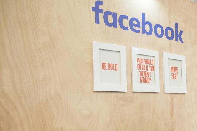 Une partie de la presse accuse Facebook de laissé se propager defausses informations.
