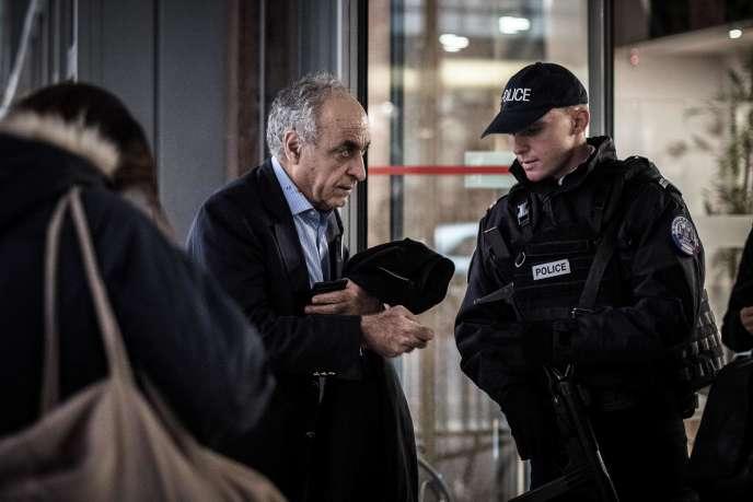 L'homme d'affaires franco-libanais Ziad Takieddine à son arrivée au bureau de police anticorruption (OCLCIFF) à Nanterre, le 17 novembre.