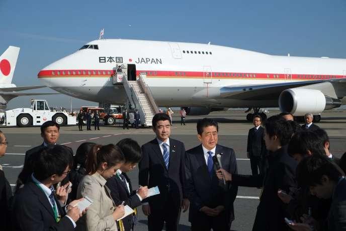 Le premier ministre japonais Shinzo Abe, le 17 novembre à Tokyo, avant de se rendre à New York.